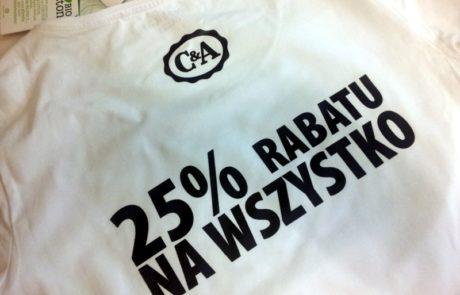 Koszulki bawełniane z nadrukiem C&A - znakowanie odzieży